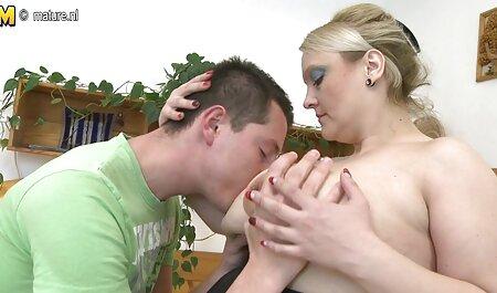 Adele dopušta ovom momku da je porno mom end son tuče