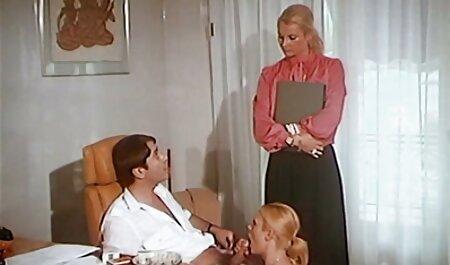 - brineta Rene Roulette dobiva film long porn kurac
